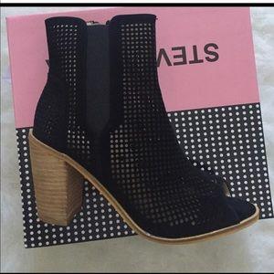 Shoes - Black mesh open toe booties